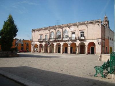 full-Plaza Tacuba en Jerez - César Landeros Soriano