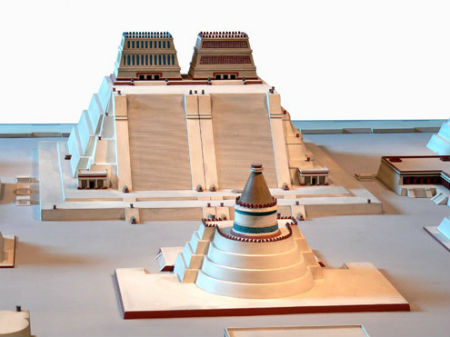 Rekonstruktion_Tempelbezirk_von_Tenochtitlan_2_Templo_Mayor_3