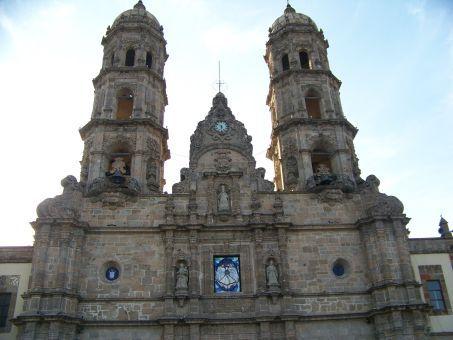 basilica-de-la-virgen-de-zapopan