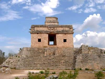 dzibichatun-templo-7-munecas