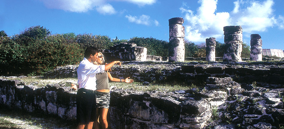 photoEscudo_CAN_Archaeological_sites_El_Rey_and_El_Meco_Ex_elreycancun