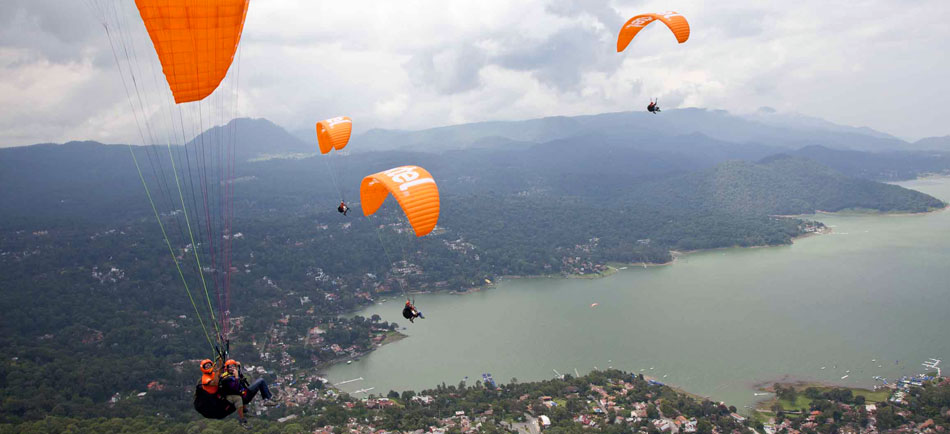 photoEscudo_VDB_Paragliding_Ac_paragliding