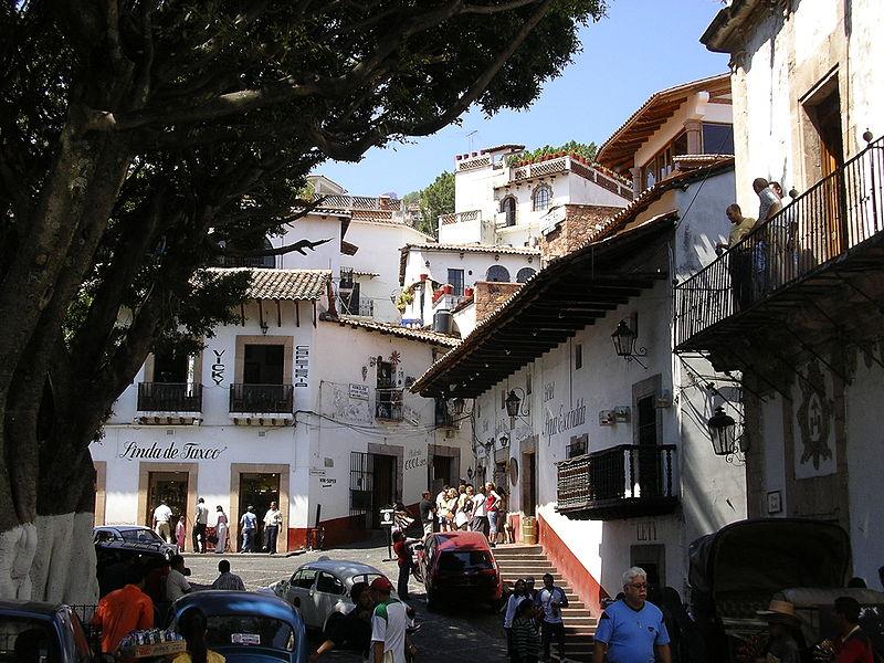 800px-Taxco_Zócalo