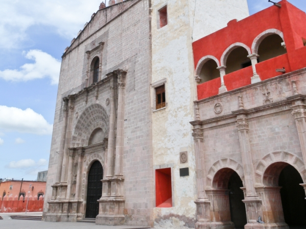 Templo y el ex Convento de San Nicolás de Tolentino