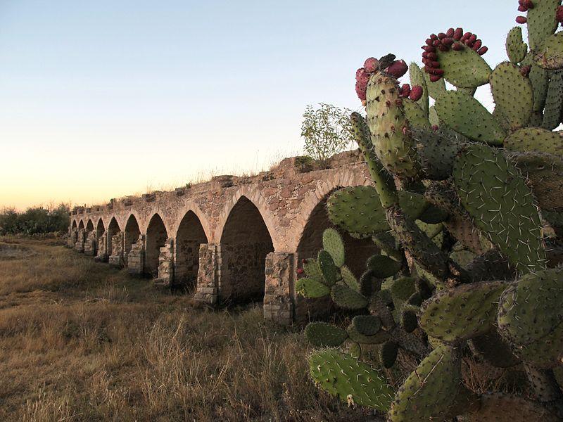 800px-Puente_del_Camino_Real_de_Tierra_Adentro_de_Ojuelos
