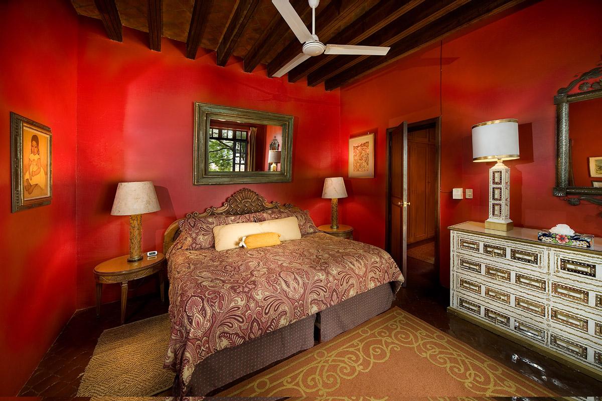 Jacaranda-HR-Casa-Schuck-boutique-hotel-in-san-miguel-de-allende-mexico-Jacaranda1