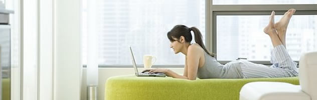 girl_and_laptop
