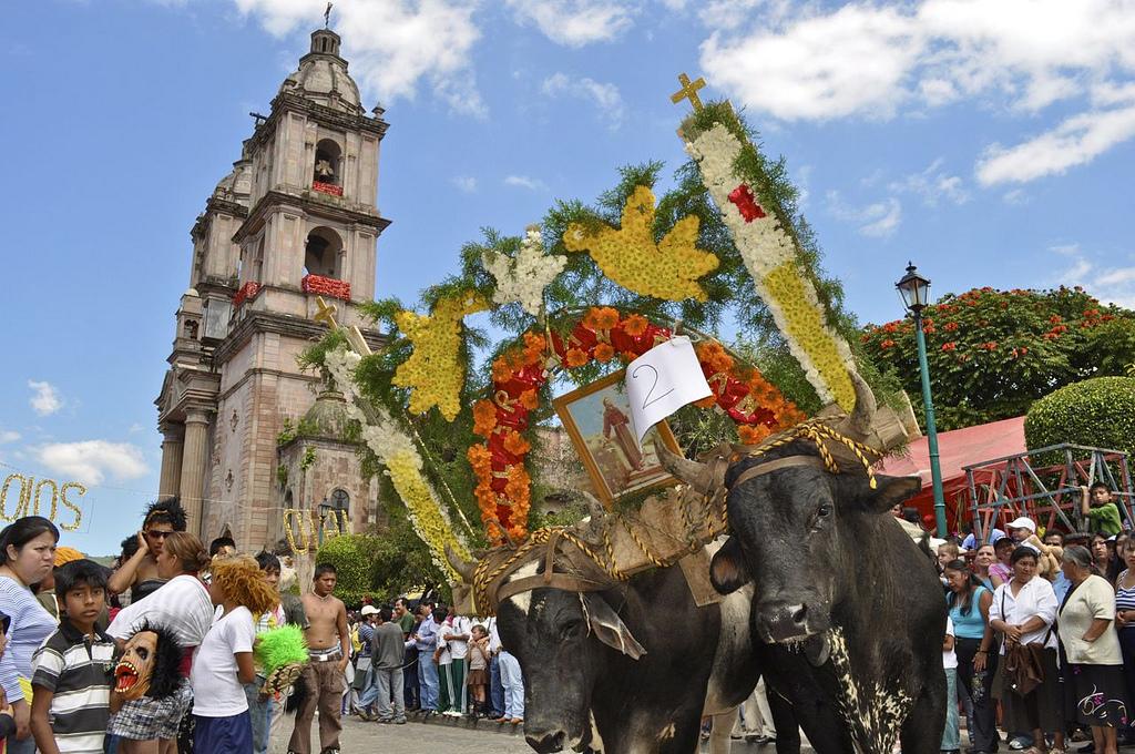 Fiestas y tradiciones en Avándaro | Atractivos turisticos de Mexico ...