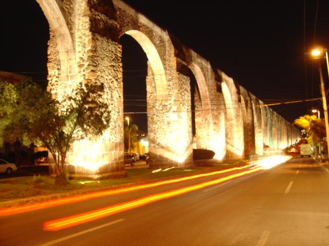 acueducto-de-noche-at-night-santiago-de-queretaro-mexico-c16482a9-ea64-4b51-921e-a2ab6930e8ce