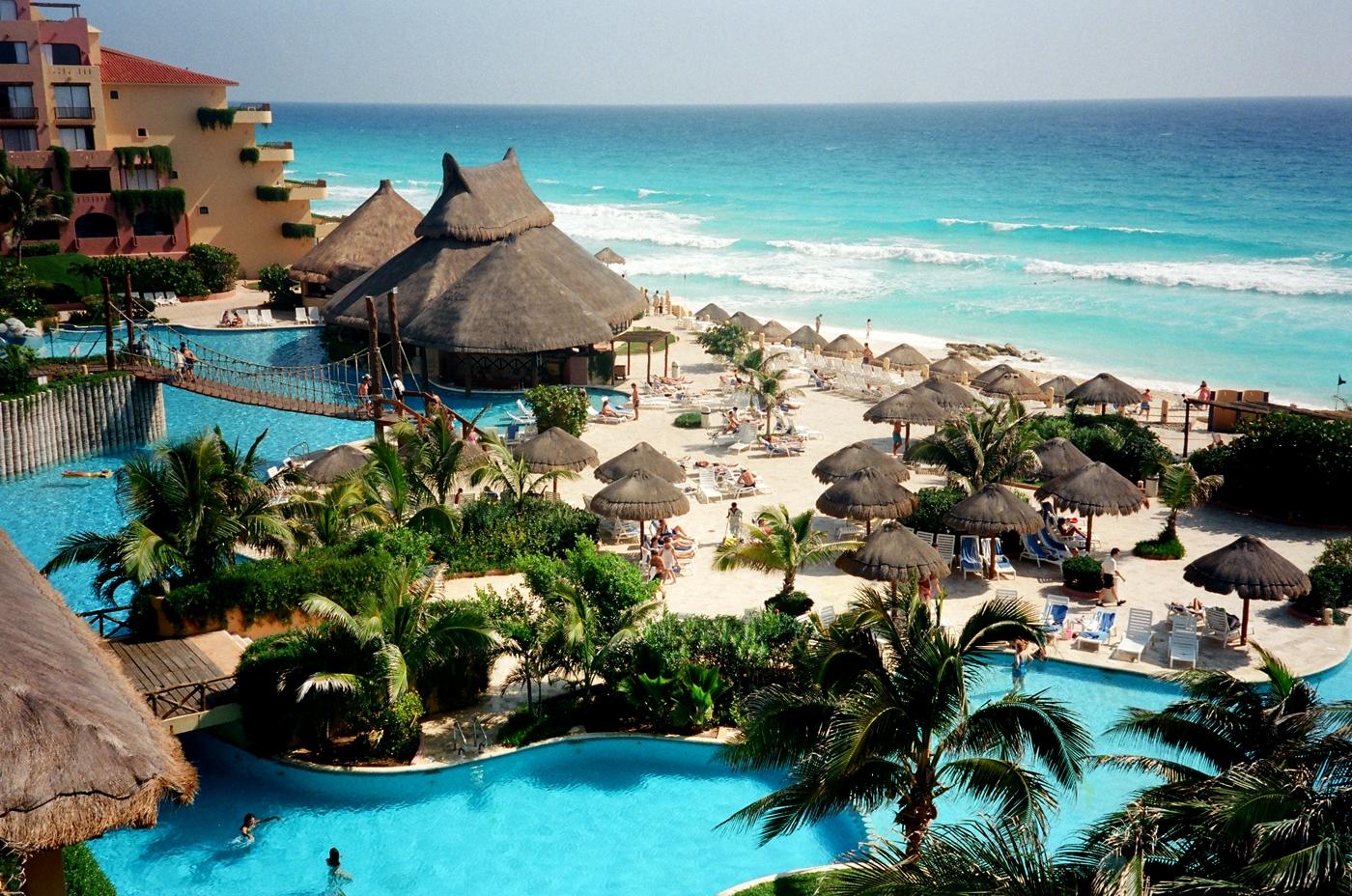 cancun_fiestaamericana