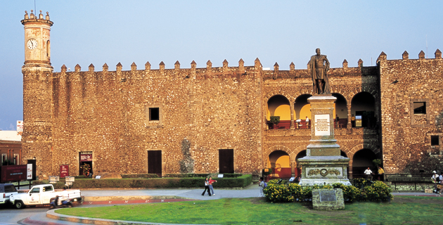 exterior_palacio_cortes_cuernavaca