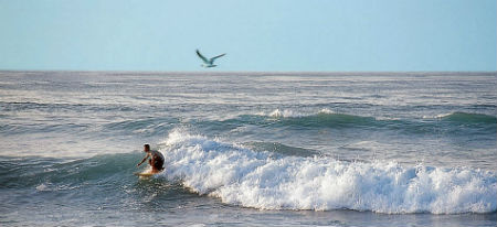 photoEscudo_MZNLL_Surfing_at_Cuyutlan_Ac_surfcuyutlan