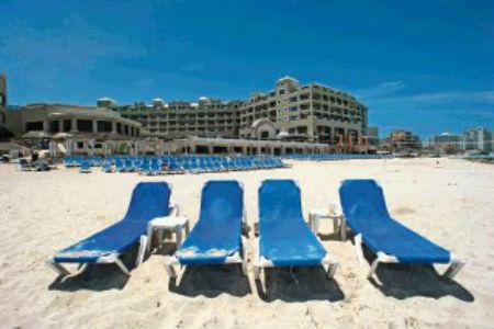 visitantes-Cancun-EE-UU-AFP_LNCIMA20090706_0031_1