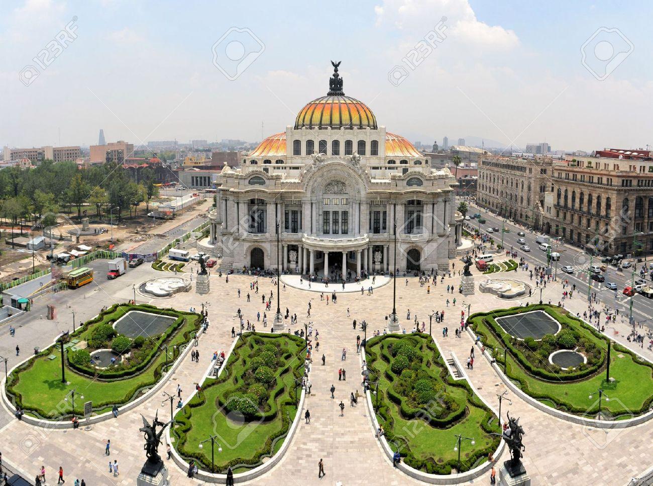 38537769-el-palacio-de-bellas-artes-museo-llamado-palacio-de-bellas-artes-en-la-ciudad-de-méxico-méxico--Foto-de-archivo
